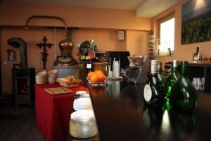 Weinbar und Frühstücksraum